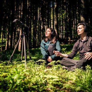 Exploring forest_Poslušanje zvokov gozda_Foto_Primož_ŠenkS