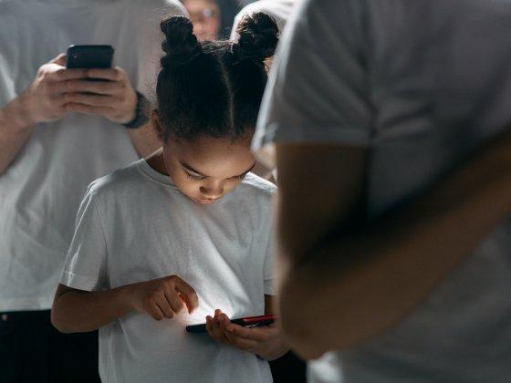 Digitalna odvisnost pri otrocih